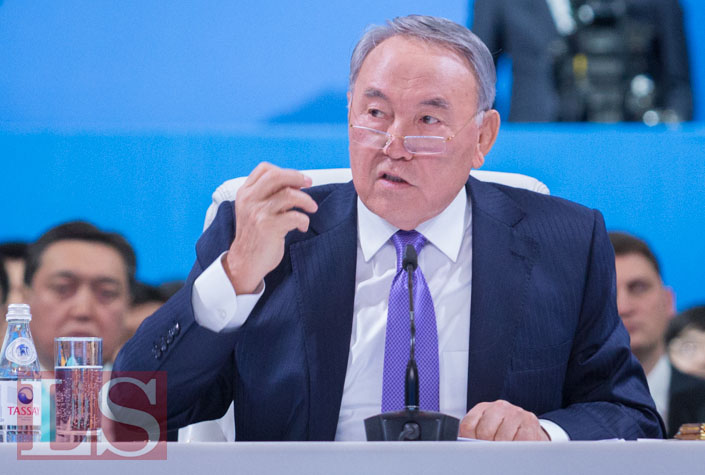 Назарбаев предложил соединить Черное и Каспийское моря судоходным каналом сегодня