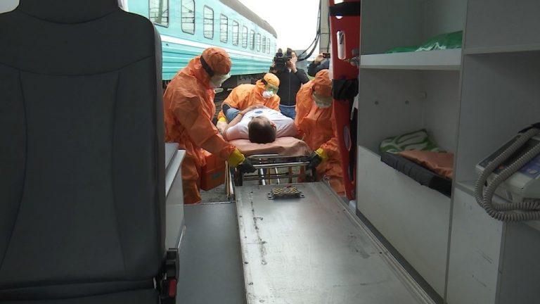 Поезд с пассажиром, у которого были симптомы чумы «прибыл» в Костанай