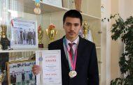 Школьник из Казахстана завоевал «золото» на олимпиаде по физике во Вьетнаме