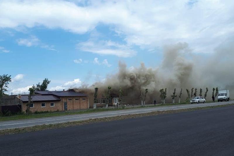 Причину пожара в придорожном кафе Рудного озвучили в ДЧС