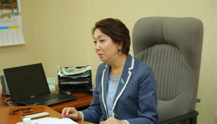Депутат мажилиса ответила на вопросы костанайцев и пообещала помочь