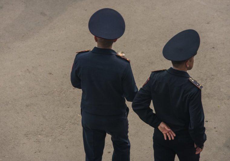 Что делать, если полицейский вымогает взятку — советы юриста