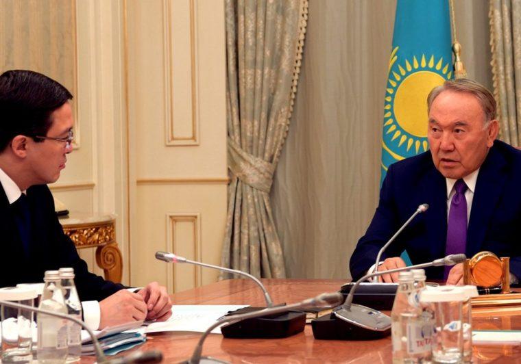 Необходимо привыкнуть к колебаниям тенге — Назарбаев