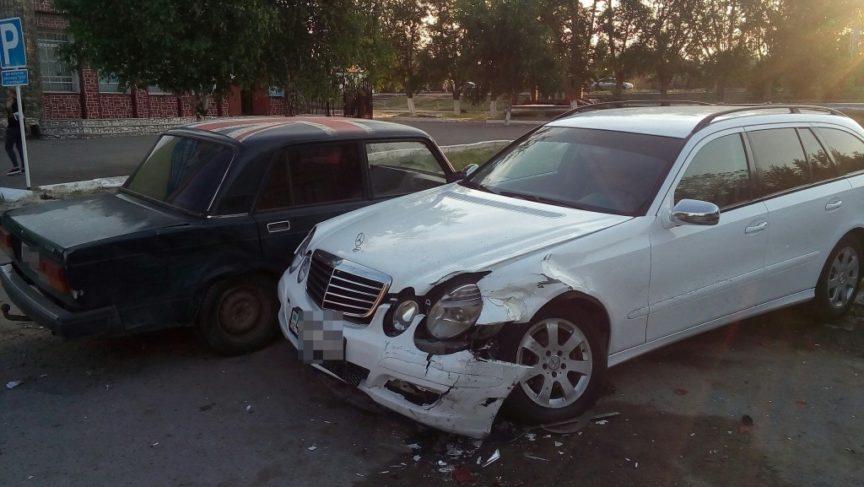 Военнослужащий был за рулём автомобиля, протаранившего несколько автомобилей в Костанае