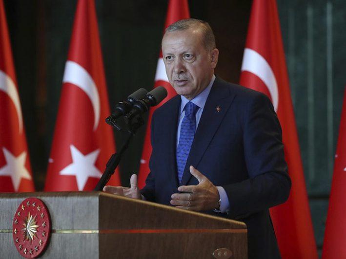 Эрдоган обвинил США в намерении нанести Турции удар «в спину»