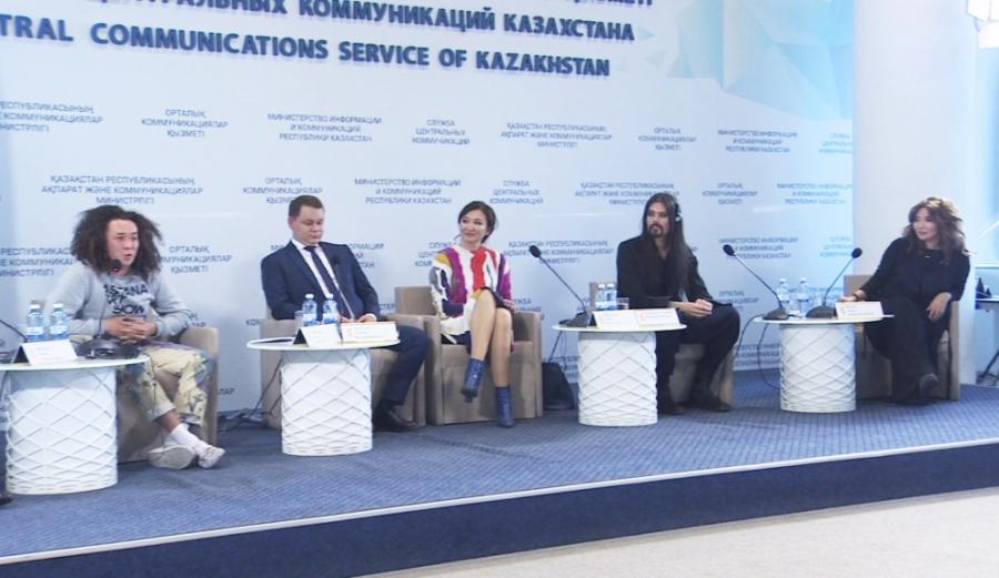 Казахстанские художники организуют выставки своих произведений в Астане