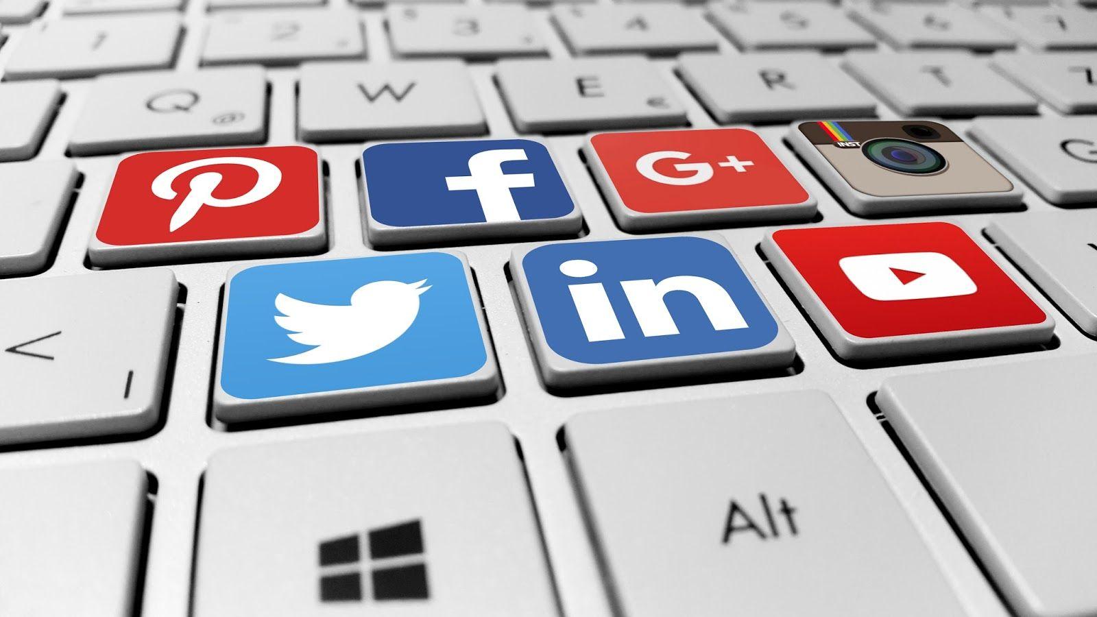 Чиновники начали достойнее вести себя в соцсетях – АДГСПК
