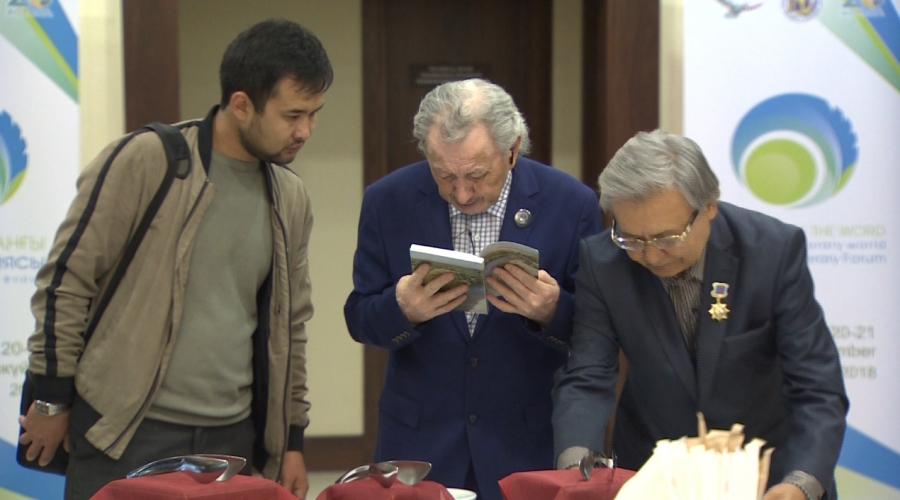 Проблемы развития жанров затронут на литературном форуме в Астане
