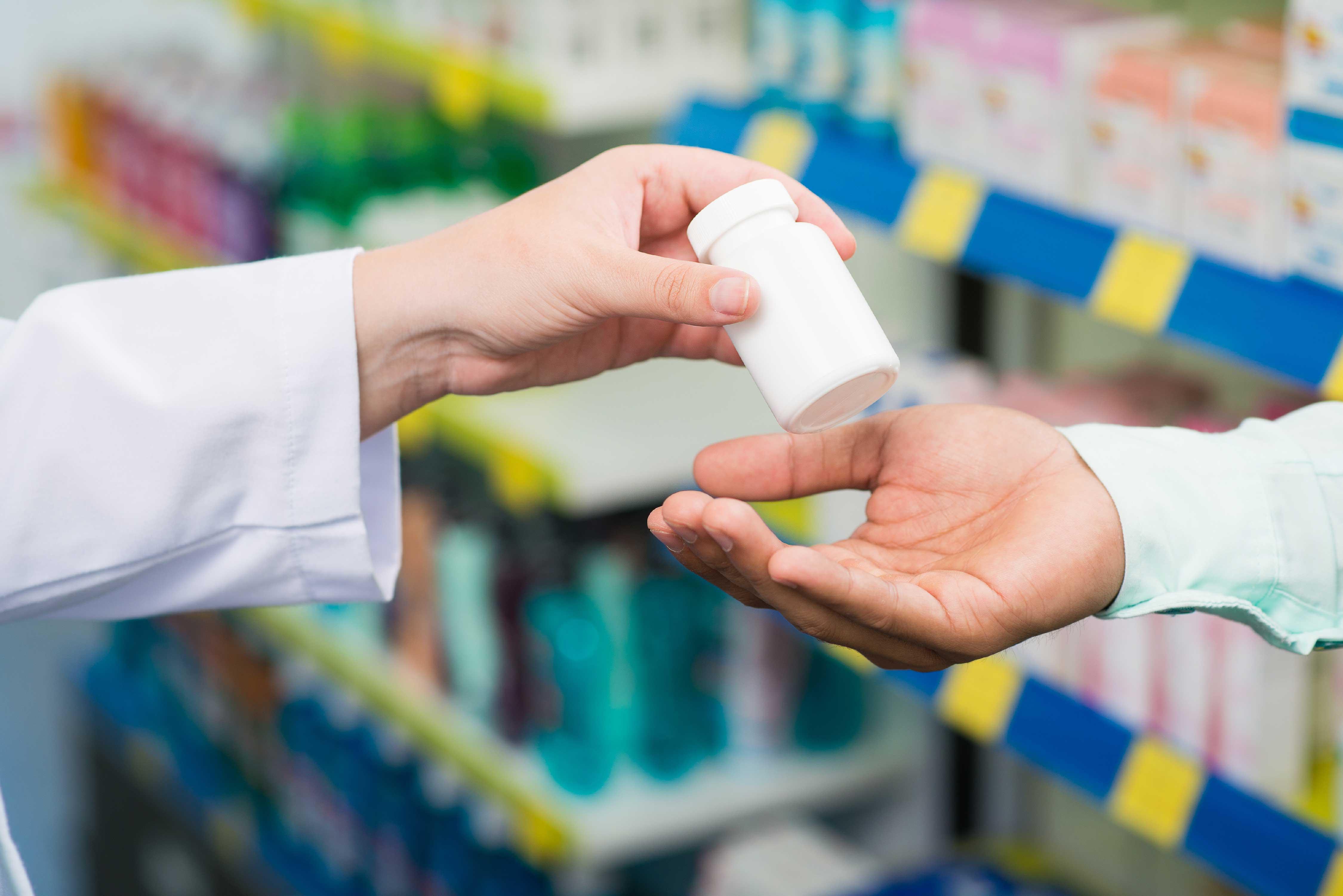 Биртанов: Во всех регионах РК были факты, когда бесплатные лекарства продавали в аптеках