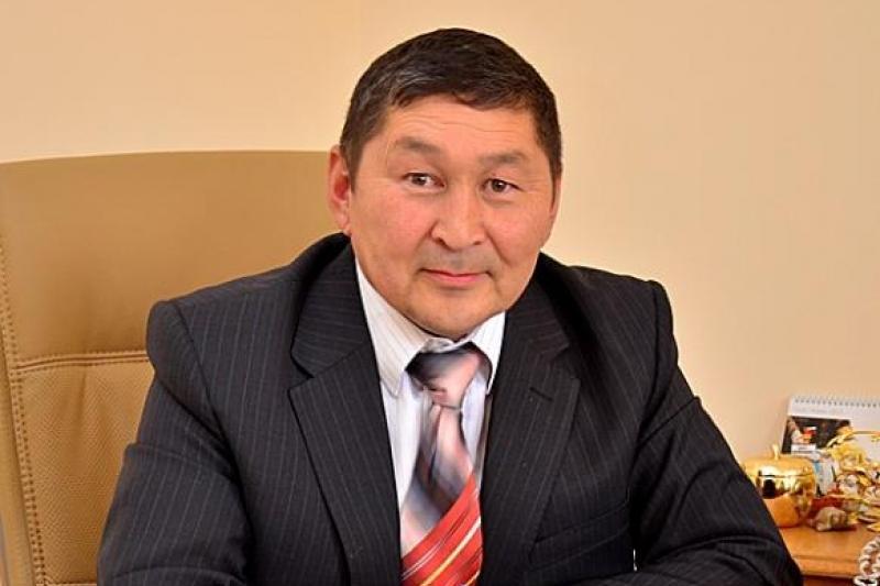 Еркин Исимбаев: Закон о статусе педагога станет подарком учителям