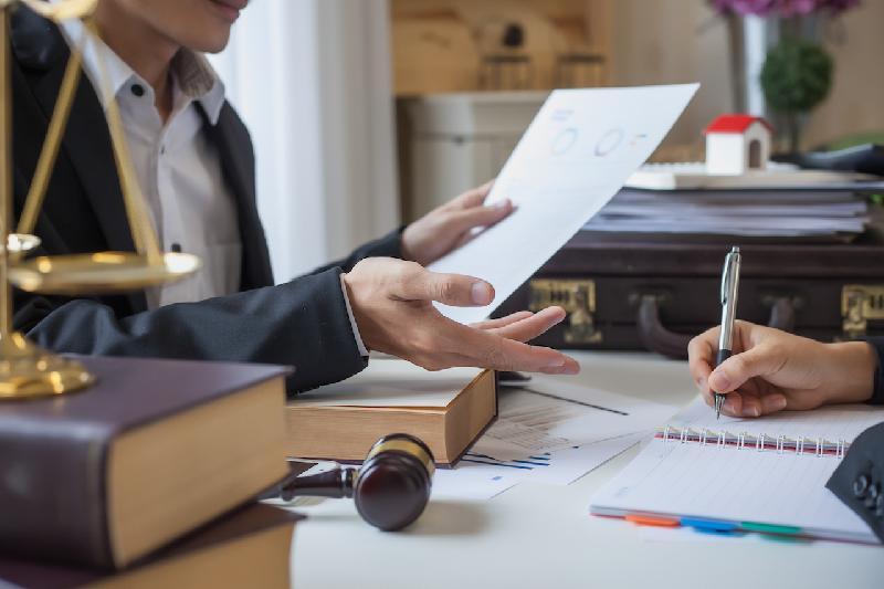 Верховный суд просит остерегаться адвокатов-ловкачей