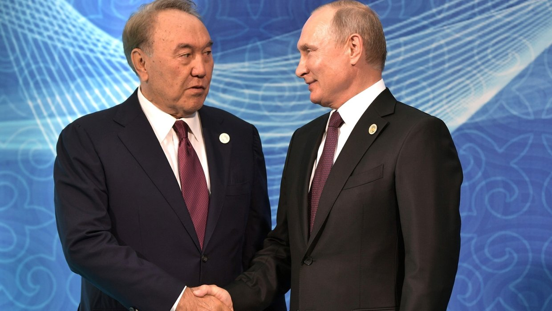 Назарбаев назвал отношения Казахстана с Россией эталонными