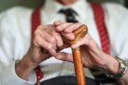 Сократить пенсионный возраст врачам, работающим в опасных условиях, предложили в РК