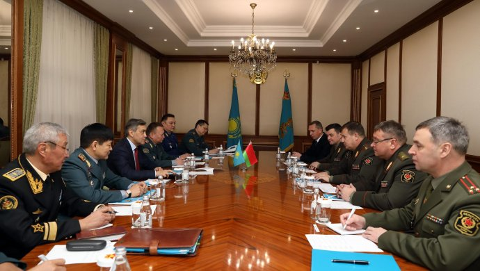 Казахстан и Беларусь обсудили вопросы двустороннего военного сотрудничества