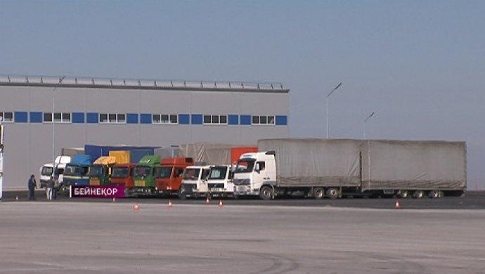 В Алматы осудили таможенников по делу о коррупции