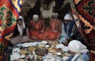 В центре Челябинска гостей фестиваля встречала казахская юрта
