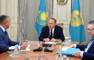 Назарбаев встретился с Перуашевым