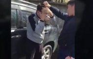Полицейский, издевающийся над мужчиной, попал на видео