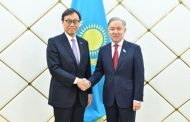Нурлан Нигматулин принял посла Японии в Казахстане Итиро Кавабату