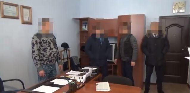 Замначальника колонии в Костанайской области поймали на взятке (видео)