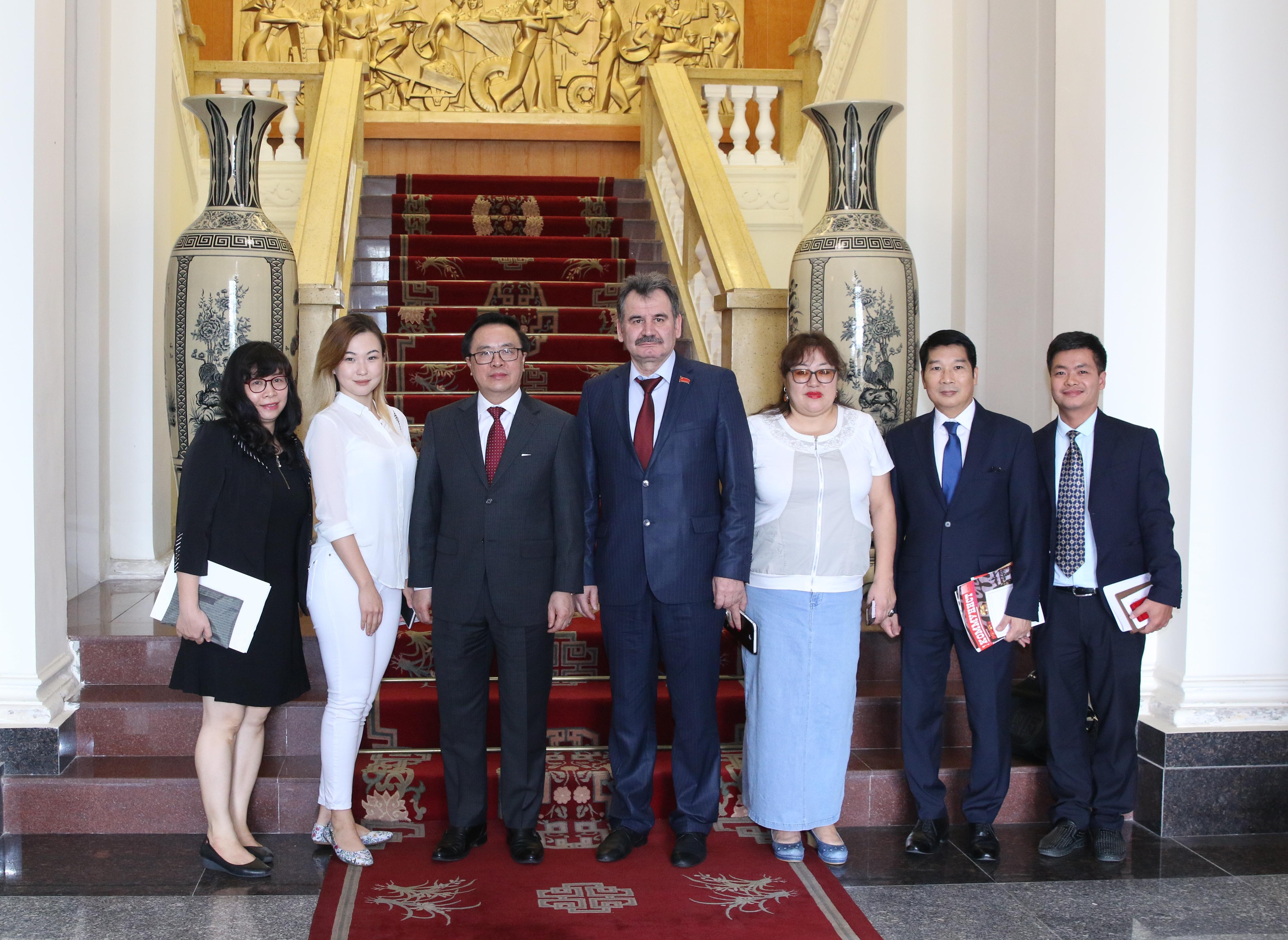 Казахстан и Вьетнам никогда не воевали между собой, но знают цену независимости