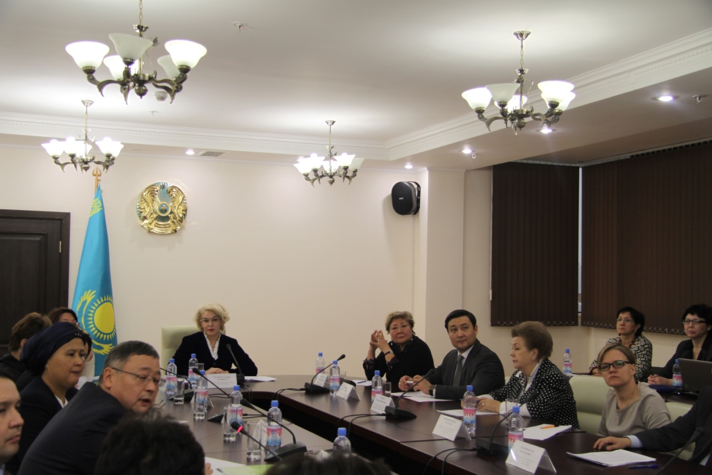 В Министерстве здравоохранения Республики Казахстан состоялся Круглый стол по вопросам получения медицинской помощи несовершеннолетними с 16 летнего возраста