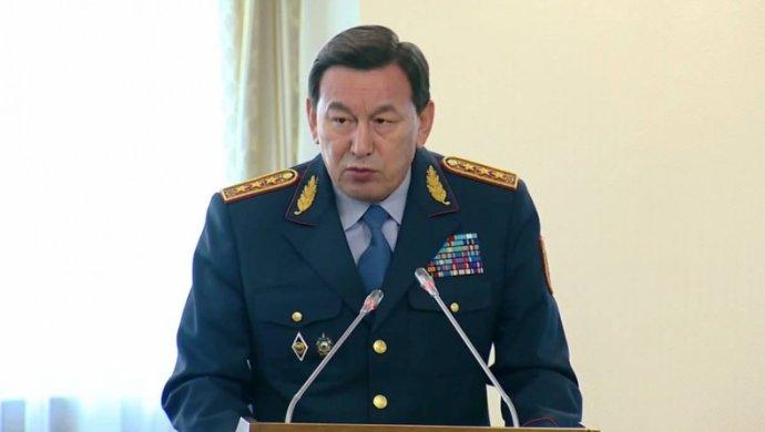 Глава МВД РК встретился с послом Армении после ЧП в Караганде
