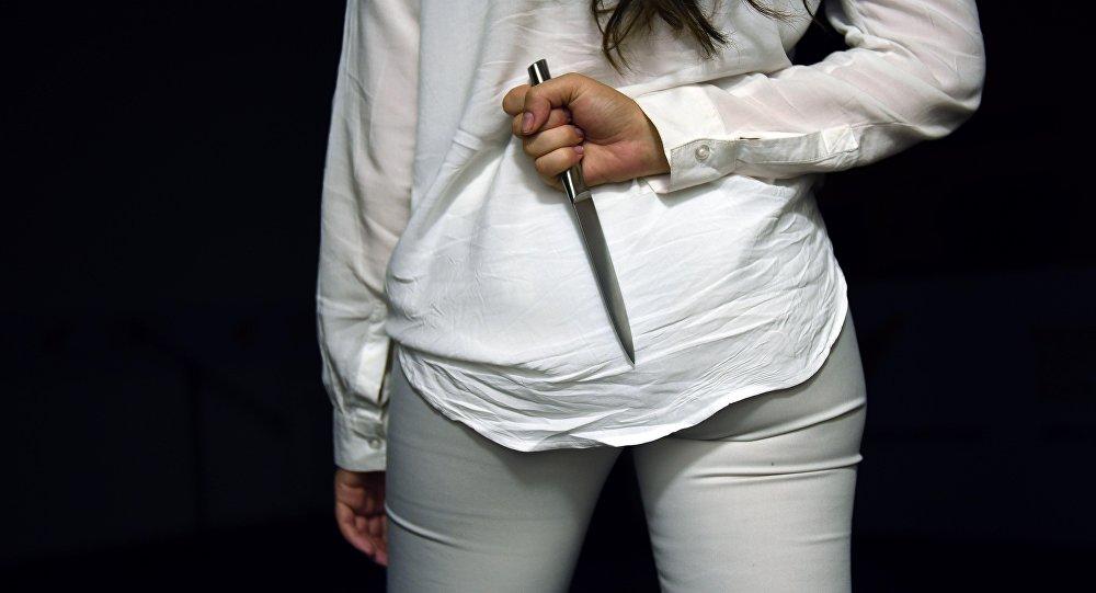 В Костанае девушка накинулась с ножом на знакомую своей матери
