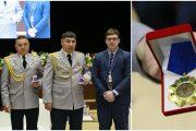 Костанайских полицейских наградили за отказ от взятки