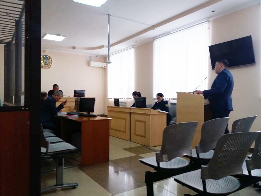 Экс-директор РГП «Енбек-Костанай» перечислял зарплату строителям, которые фактически не работали