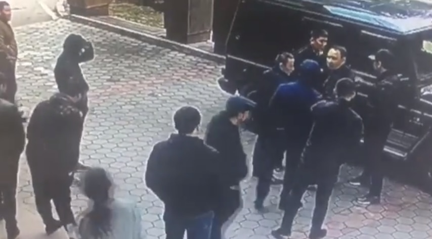 Стрельба в Алматы: полиция задержала подозреваемых