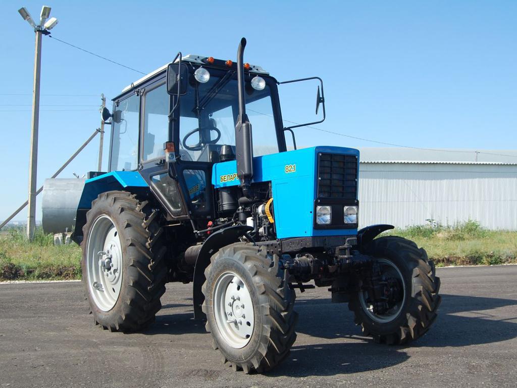 100 тракторов сошли с конвейера на заводе в Костанае