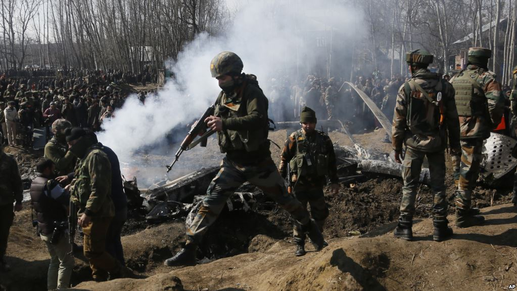 Индийские и пакистанские военные устроили перестрелку в Кашмире