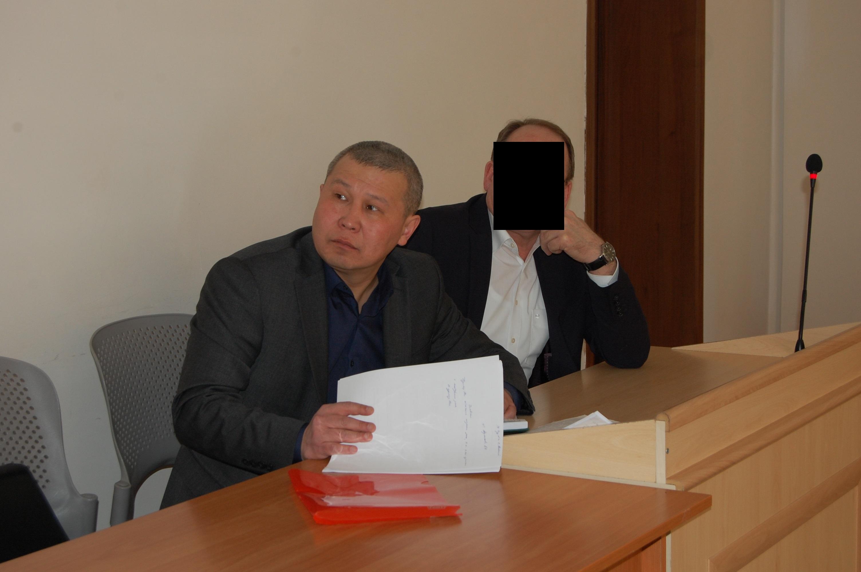 Судья по делу экс-директора РГП «Енбек-Костанай» не может выяснить какой ущерб был нанесен государству