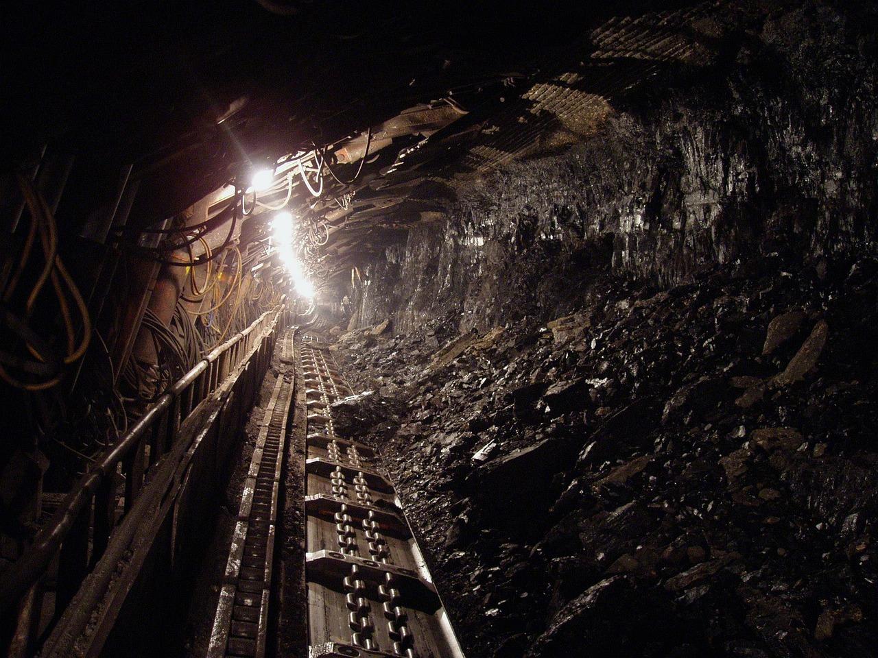Тела троих мужчин нашли в заброшенной шахте в Алматинской области