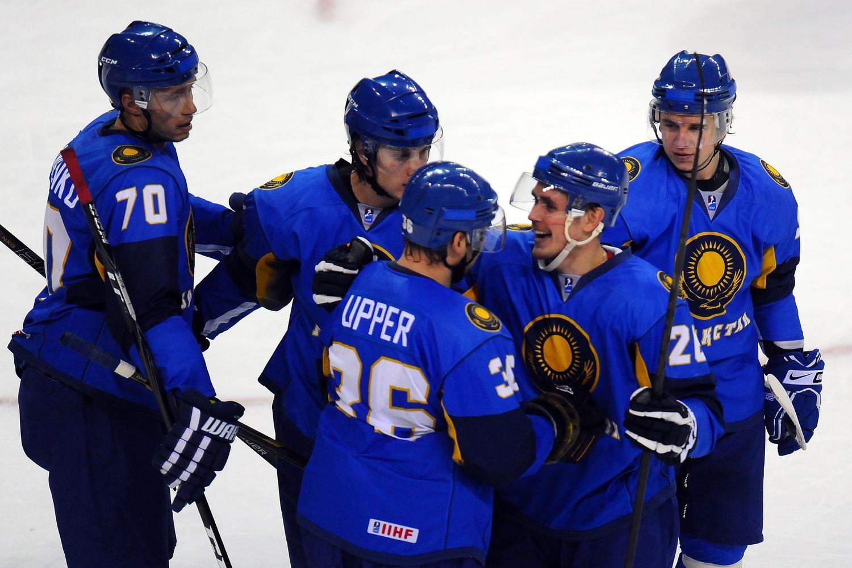 Сборная Казахстана по хоккею разгромила команду Швейцарии на Универсиаде