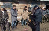 Российские полицейские возле границы с Казахстаном провели массовую проверку граждан