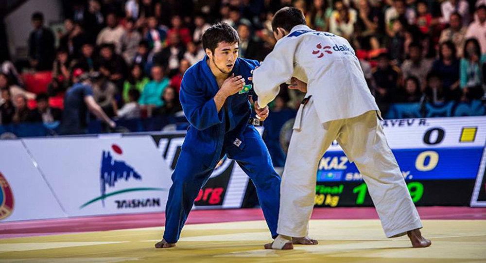 Около 500 спортсменов из России и Казахстана примут участие в юношеском турнире по дзюдо в Тюмени