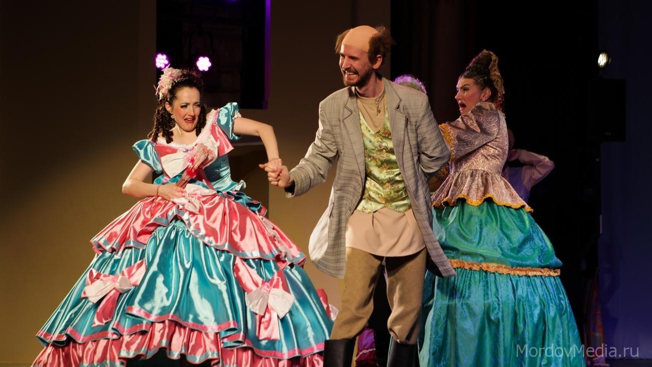 Театр из Казахстана поставил точку в фестивале «Соотечественники» в Саранска