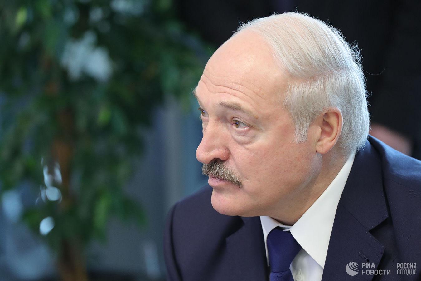 Лукашенко призвал активизировать переговоры о поставках нефти из Казахстана
