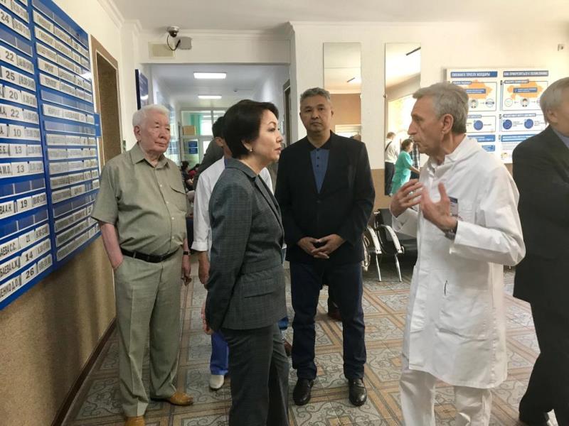 Аккумуляторный завод посетил в Талдыкоргане предвыборный штаб Дании Еспаевой