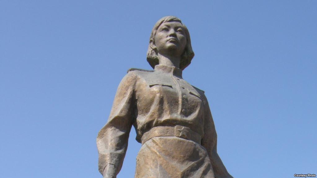 Памятник снайперу Алие Молдагуловой установят в Петербурге