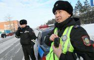 Американка назвала нашедших ее планшет полицейских в Казахстане суперменами