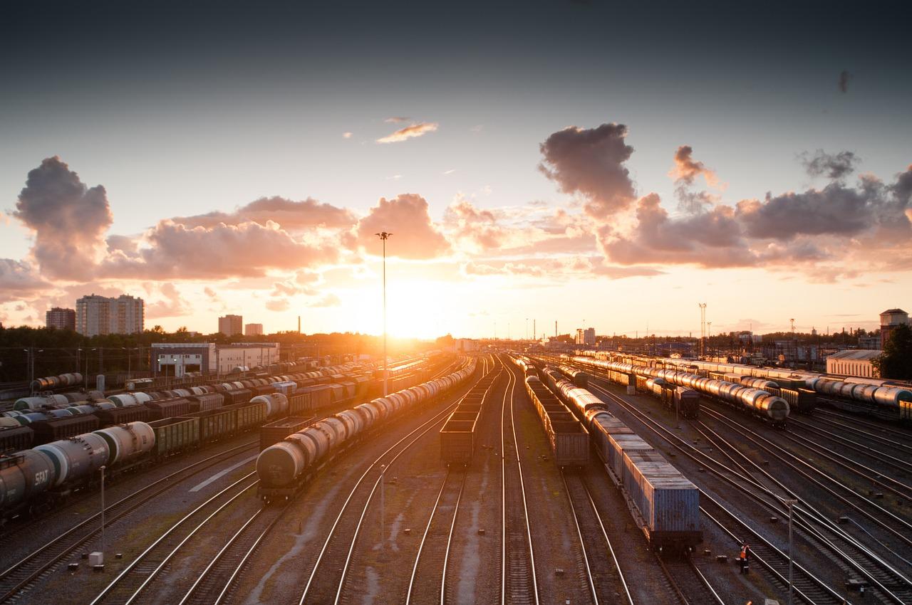 На летний период в Казахстане запустят дополнительные поезда