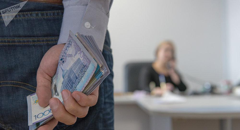 За три года коррупционеры обобрали Казахстан на $100 млн