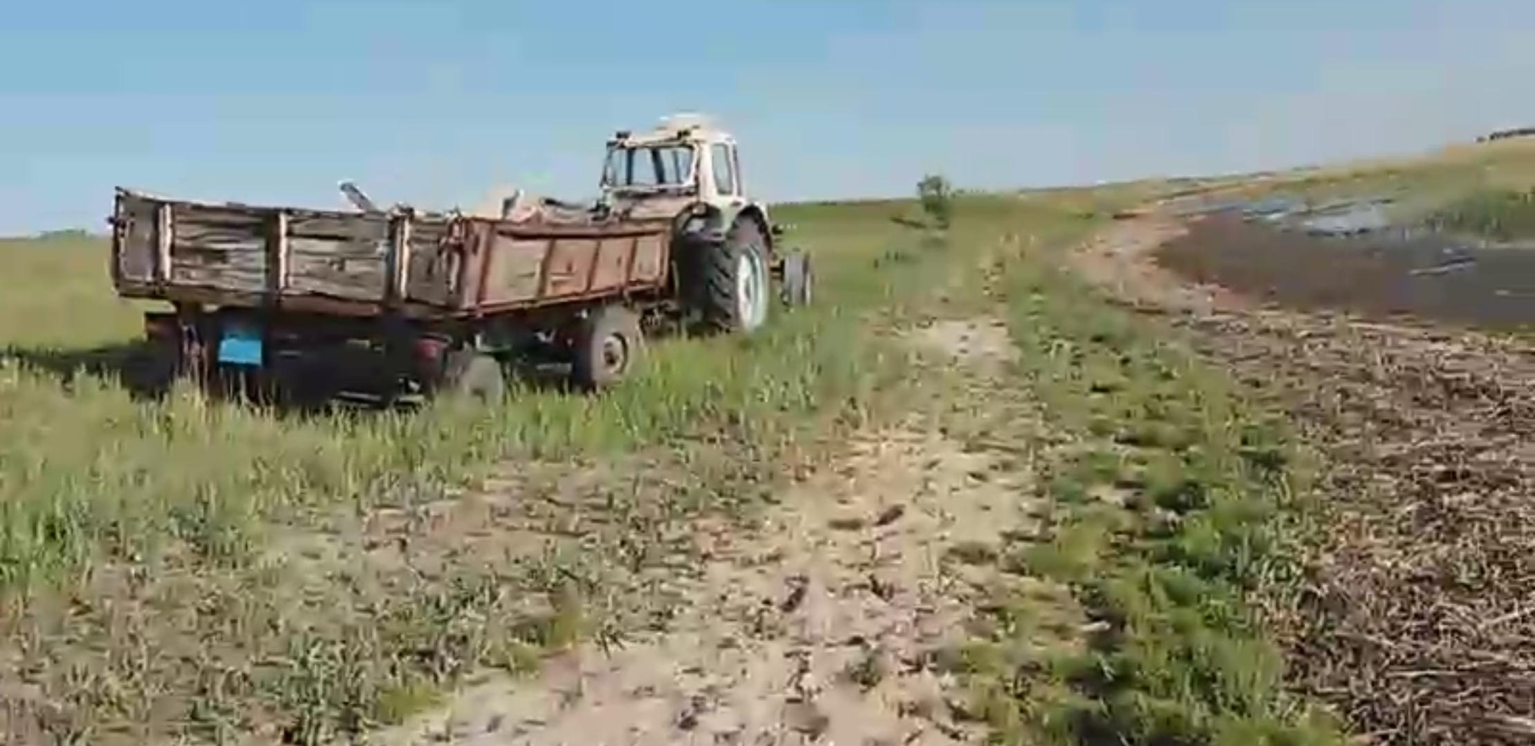 Два прицепа мусора вывезли с прибрежной территории озера Токтас в Федоровском районе