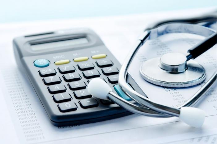 Карагандинские медики начали получать повышенные заработные платы