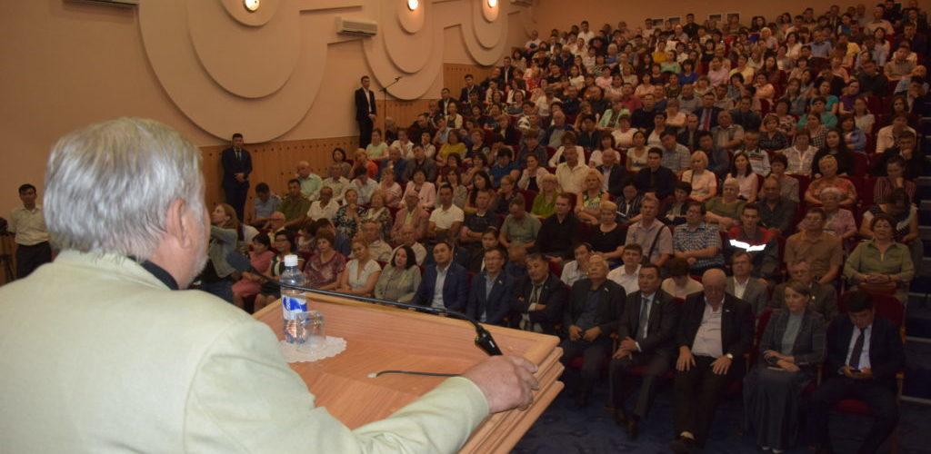 Депутаты городского маслихата единогласно поддержали переименование улицы Гагарина в проспект Нурсултана Назарбаева