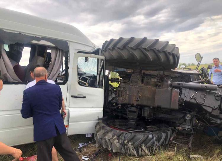 10 человек пострадали в аварии на трассе Алматы — Екатеринбург