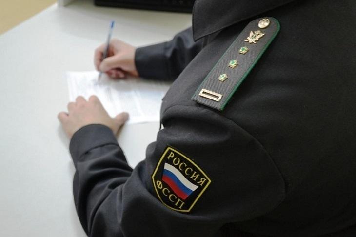 Бизнесмена из-за долга в триста тысяч рублей не пустили в Казахстан
